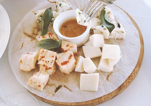 チーズと調味料